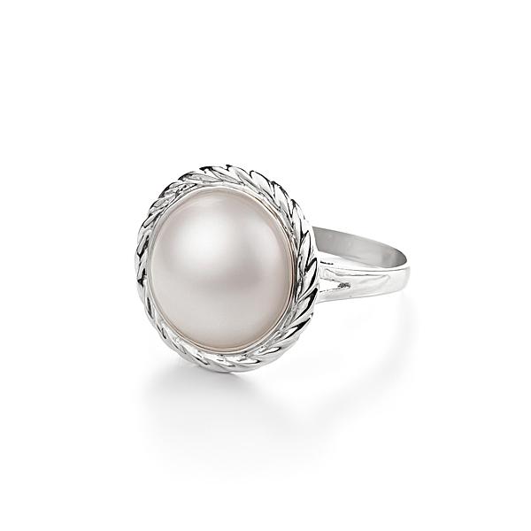 Кольцо из белого золота с жемчужиной Мабе