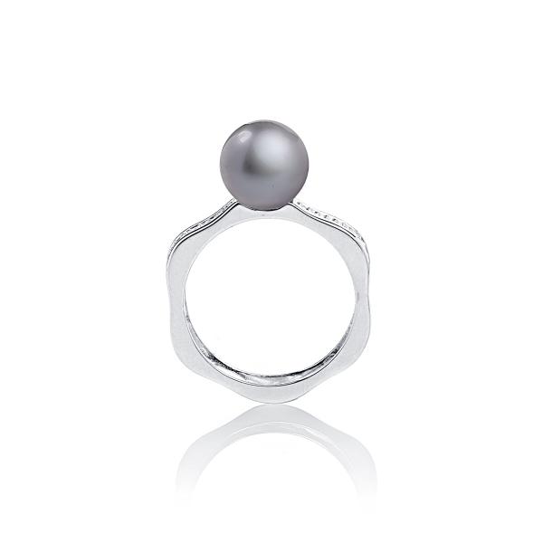 Серебряное кольцо с серой жемчужиной