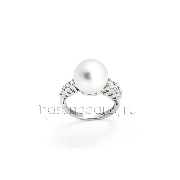 Кольцо с морским жемчугом и бриллиантами