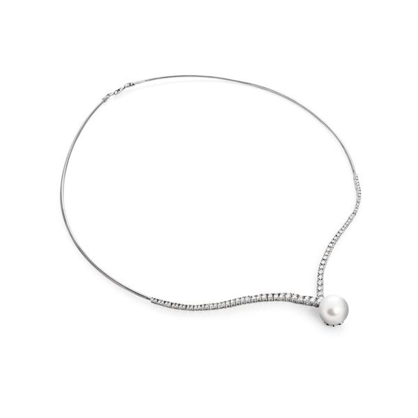 Ожерелье из морского жемчуга c бриллиантами